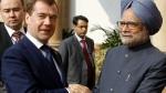 Russian President Dmitry Medvedev Indian Prime Minister Manmohan Singh shakes hands